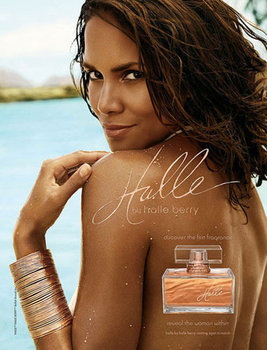 Annons för parfymen Halle by Halle Berry.