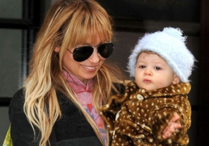 Nicole Richie med sin dotter Harlow.