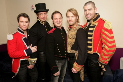 Stephen Gately, Keith Duffy, Mikey Graham, Ronan Keating och Shane Lynch.