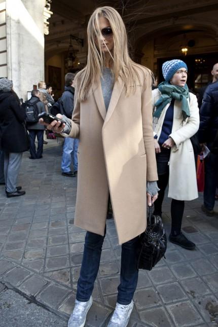 Kamelfärgade kappor under Paris Fashion Week, A/W 2010.
