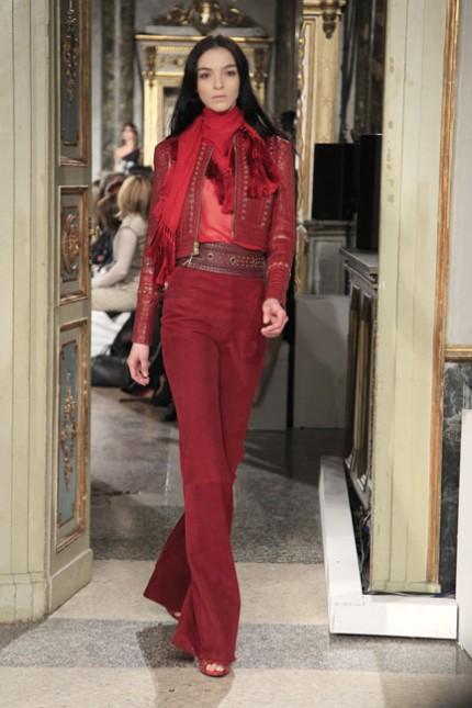 Olika röda nyanser av rött hos Emilio Pucci, A/W 2010.
