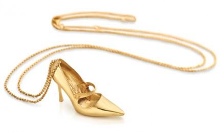 Manolo Blahnik har designat ett exklusivt smycke för TOUS.