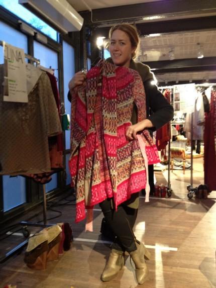 Baaams stylist Csilla provklämmer det mest färgglada av alla plagg.
