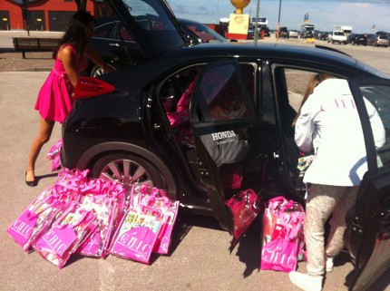 Bilen var full med goodiebags!