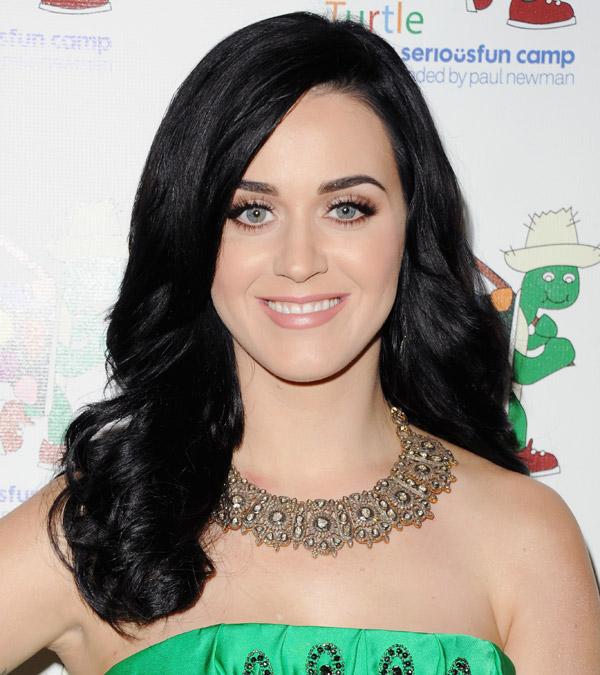 Katy Perry dejtar som