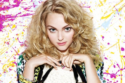 "AnnaSophia Robb som Carrie Bradshaw i ""The Carrie Diaries""."