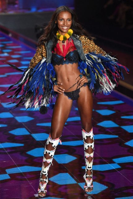 vs-new-angel-Jasmine-Tookes