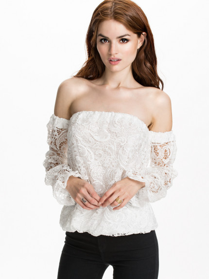 off shoulder blus