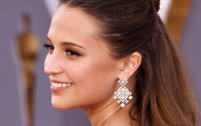 alicia vikander beauty