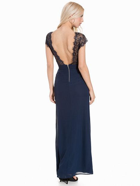 47ba6ce98b2e Klänning med slits och djup rygg, Elise Ryan (reklamlänk via Apprl) , 599 kr