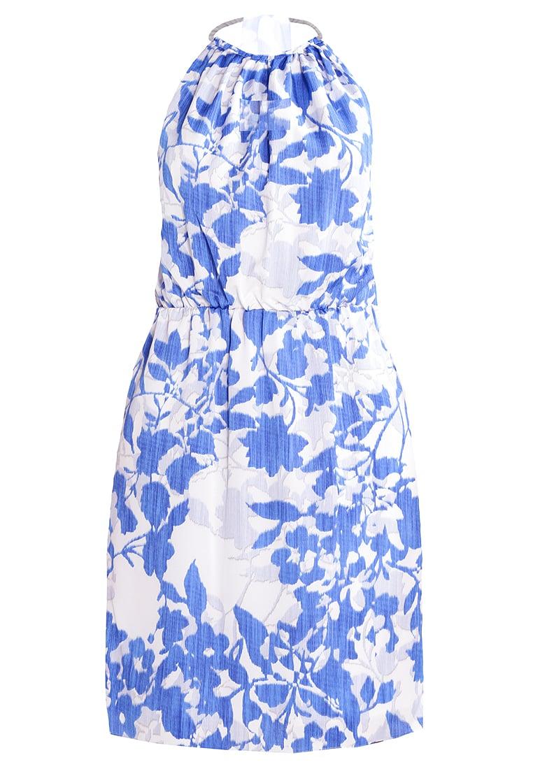 blå blommig midsommarklänning
