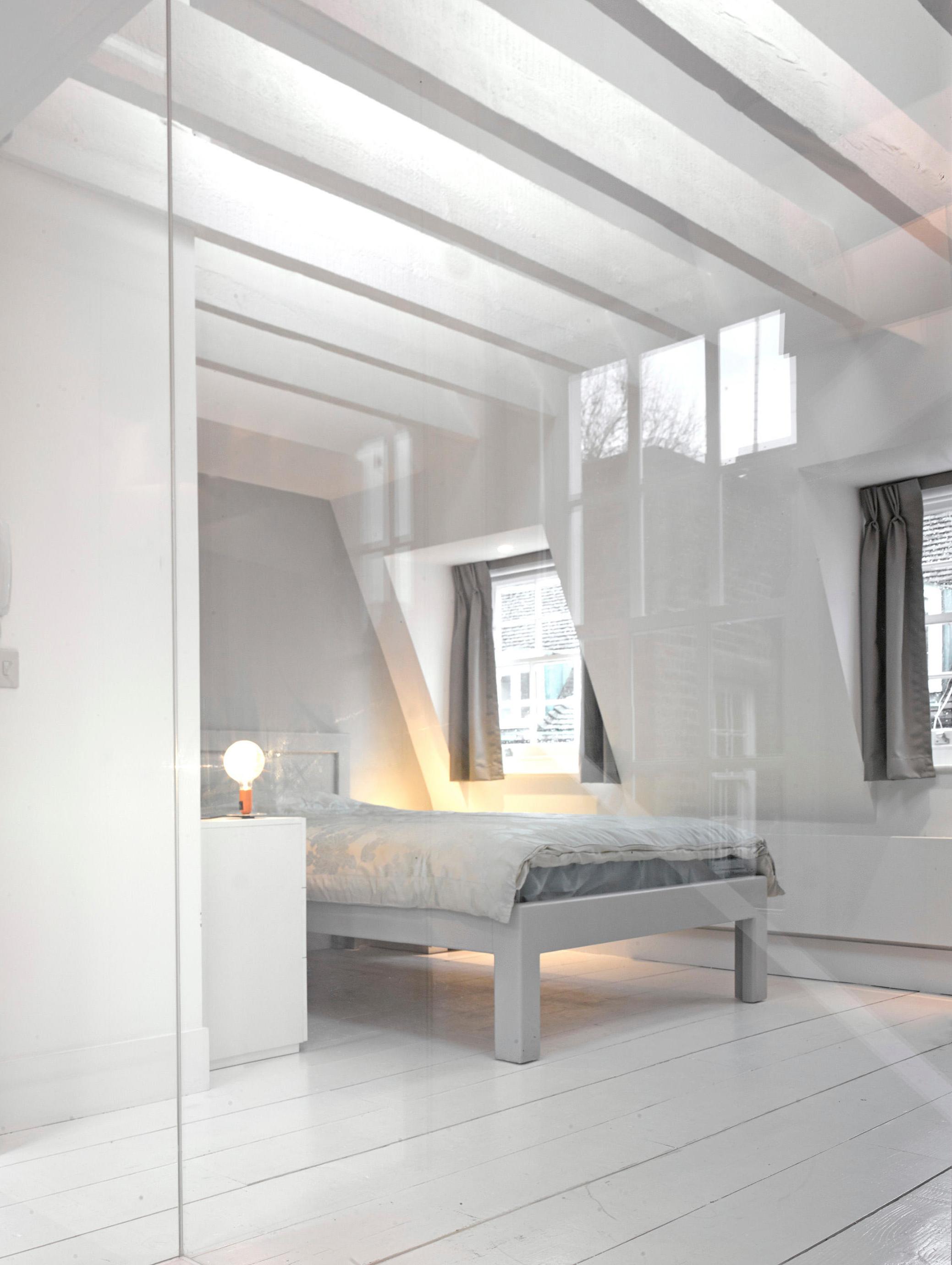 8 knep för att få ett litet sovrum att kännas större Baaam