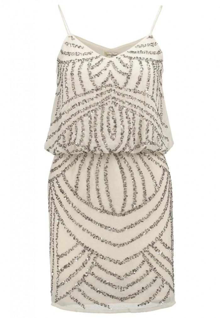 Beige klänning med paljetter från Lace   Beads (reklamlänk via Apprl) . 2582ebac5133d