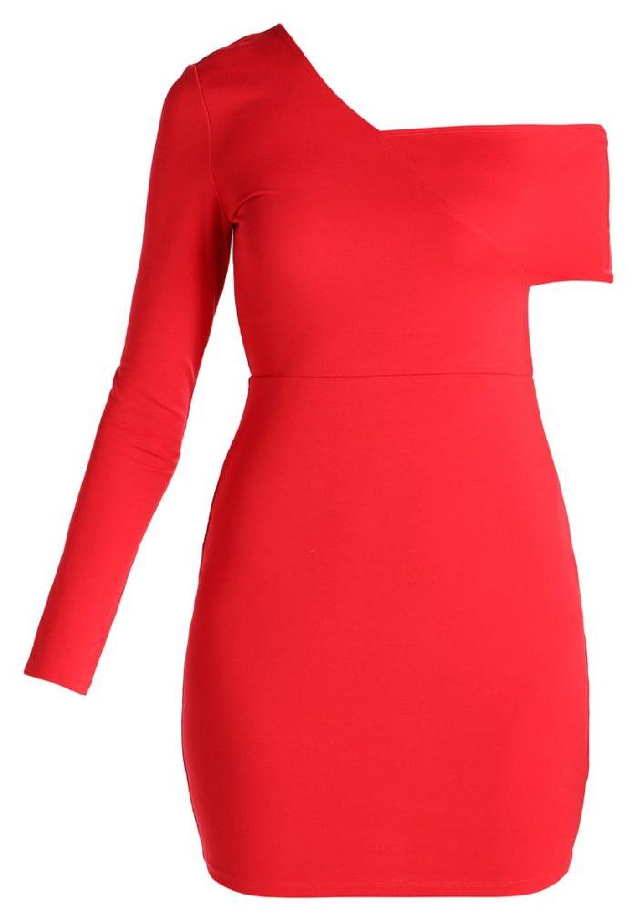 dbd7d9d5a650 Röd klänning med assymmetriska skärningar från Ivyrevel (reklamlänk via  Apprl) . Shoppa den här. (reklamlänk via Apprl)