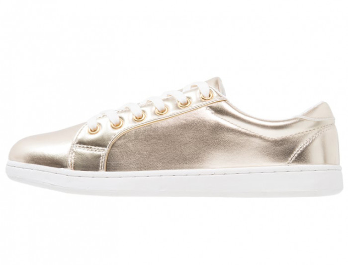 Sneakers-guld-missguided