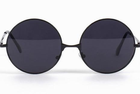 Runda svarta solglasögon från NLY Accessories (reklamlänk via Apprl) 6e01e037ebbc6
