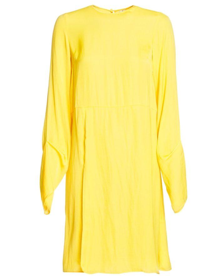 Stilren klänning med lång ärm från Nelly (reklamlänk via Tradedoubler) . 12.  Prickig volangklänning från Vero moda ... 08f5858d0fa2e