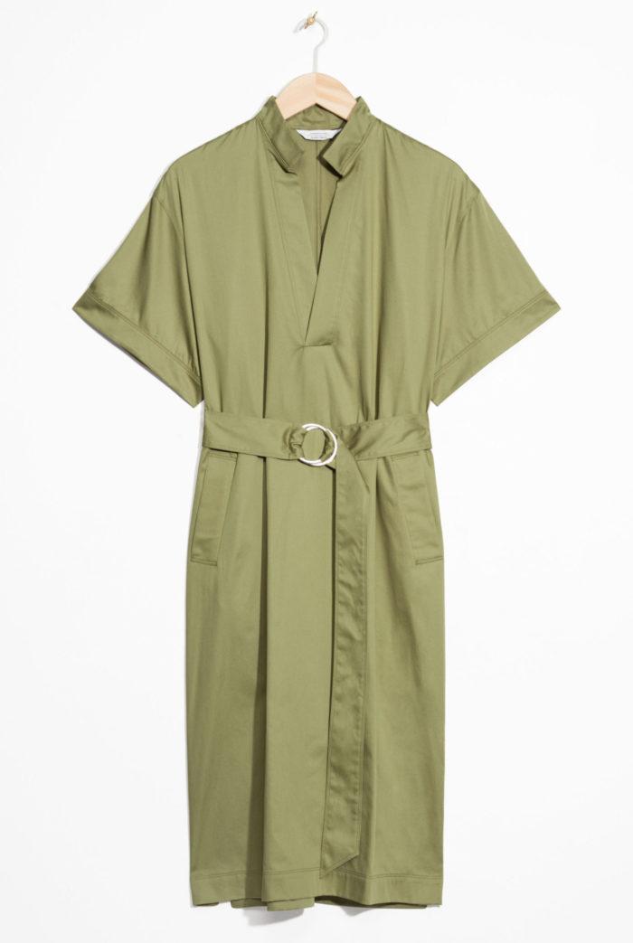 ac795cb30d30 Khaki-grön skjortklänning med markerad midja från & Other stories  (reklamlänk via Apprl) .