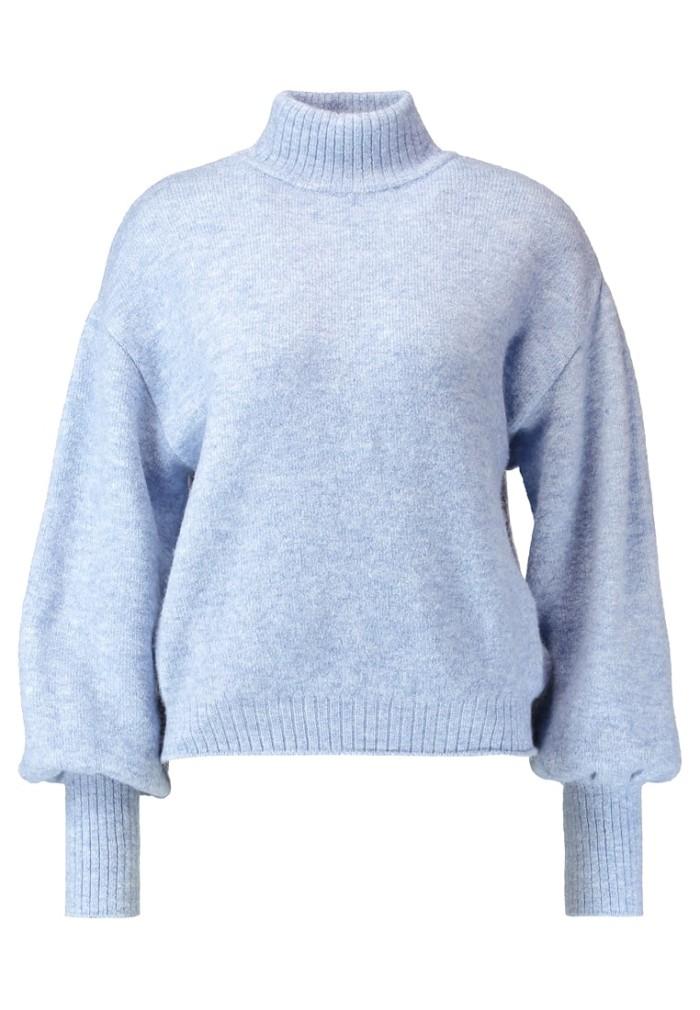 Ljusblå stickad tröja med vida ärmar från Even   Odd (reklamlänk via Apprl)  . bc7c2e55ea658