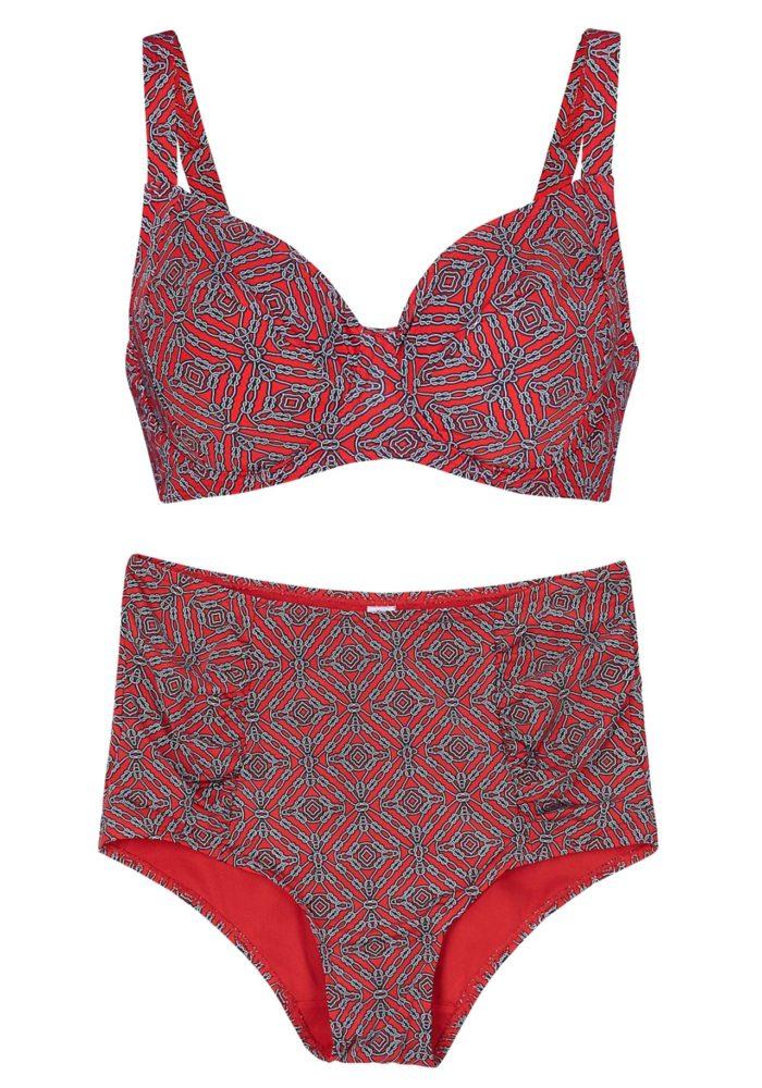 7ae43a2ee68a Rödmönstrad bikini med hög skärning på trosan från Ellos (reklamlänk via  Awin) . Läs mer och köp här. (reklamlänk via Awin)