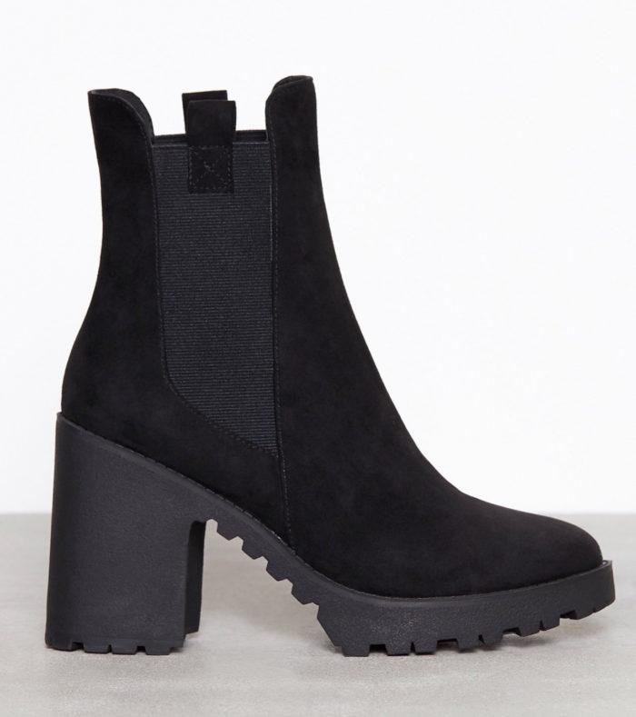 Svarta boots till vintern