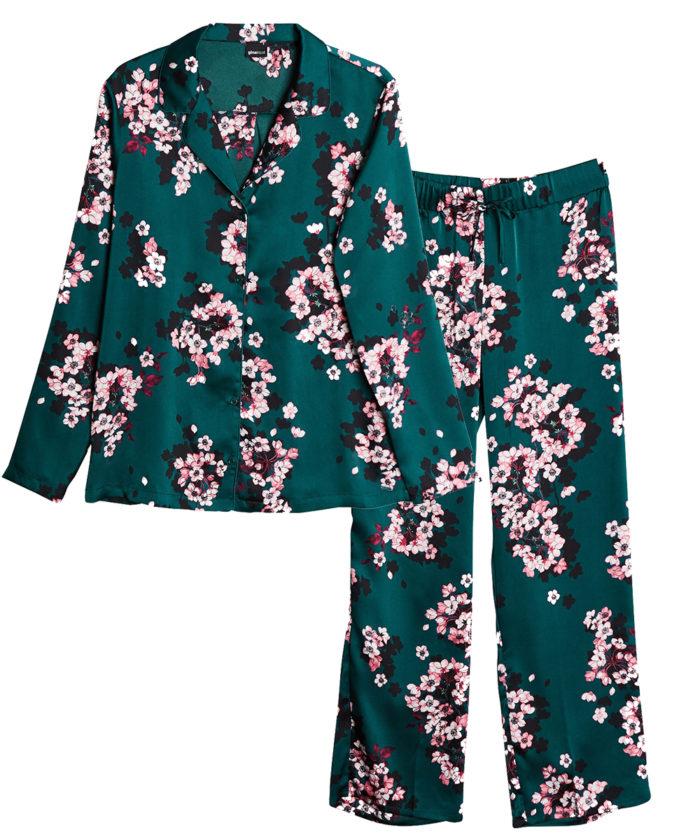 Blommig pyjamas till vintern