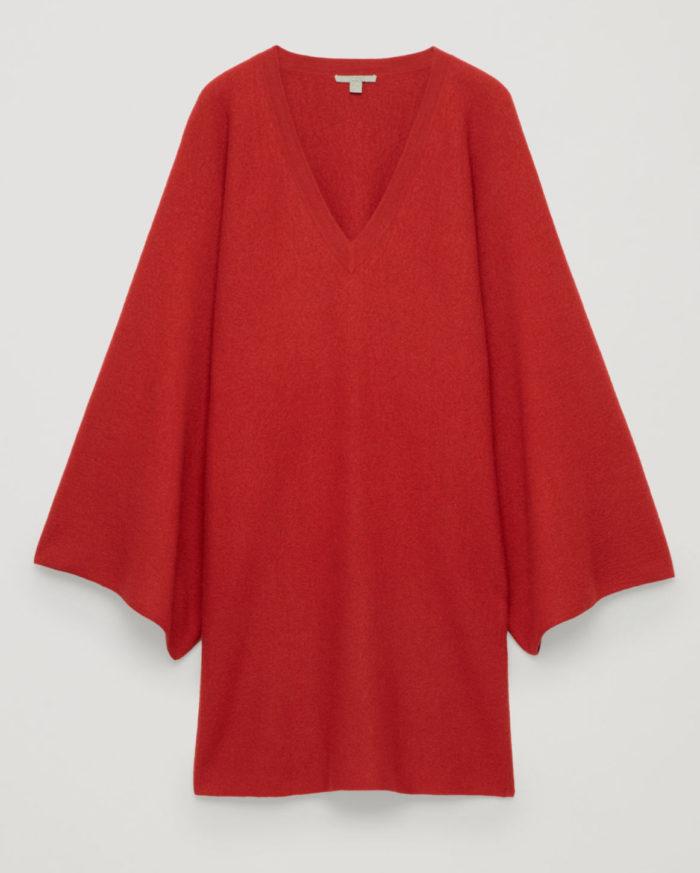 Röd stickad klänning till julen