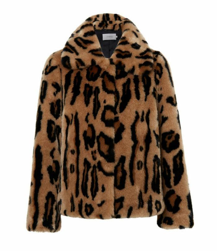 Leopardmönstrad fuskpäls till fest