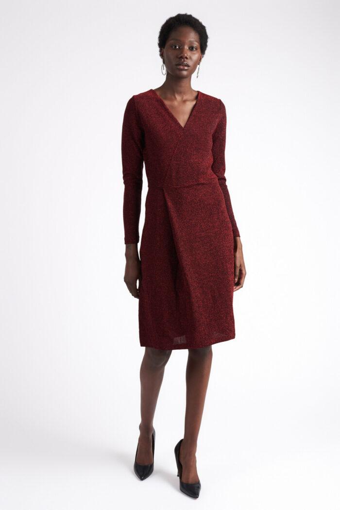 Röd glittrig klänning till fest