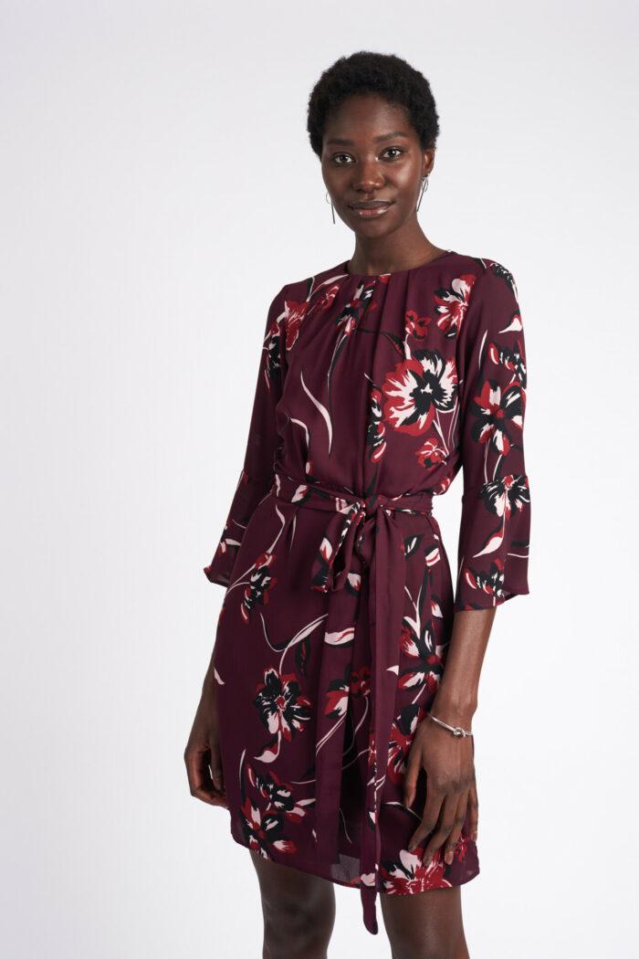 Blommig klänning från MQ
