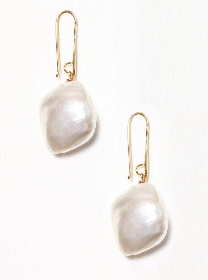 Trendiga pärlörhängen – här är tolv fina köp  df69c4872e077