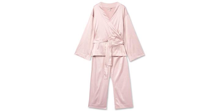 Ge bort en rosa pyjamas i julklapp