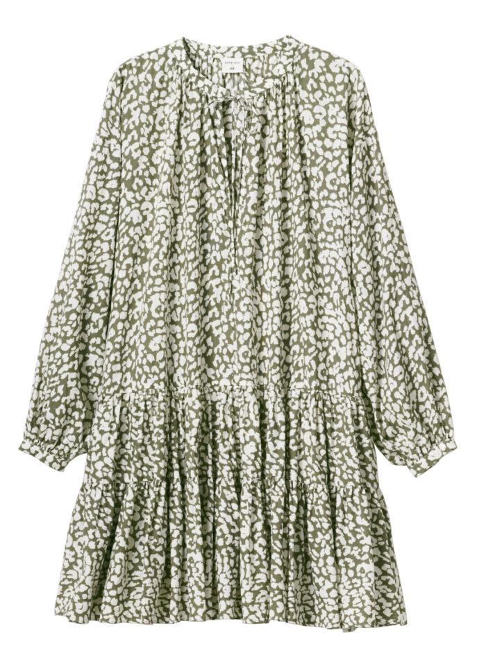 f6dd4de172f2 H&M släpper badkollektion med Love Stories – grön klänning