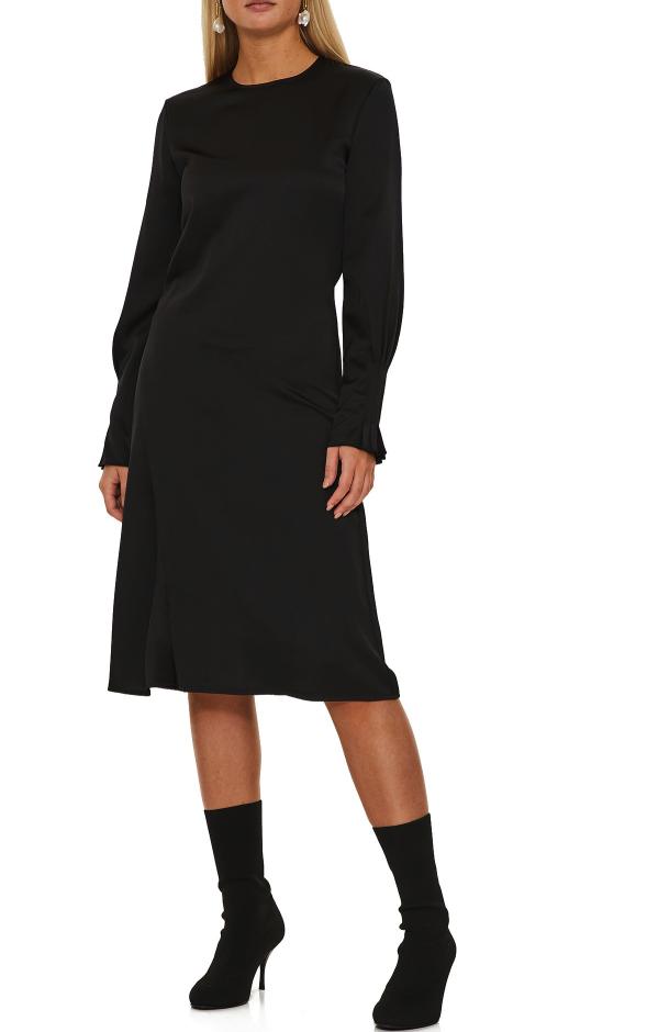 Svart festklänning för dam till vintern 2019