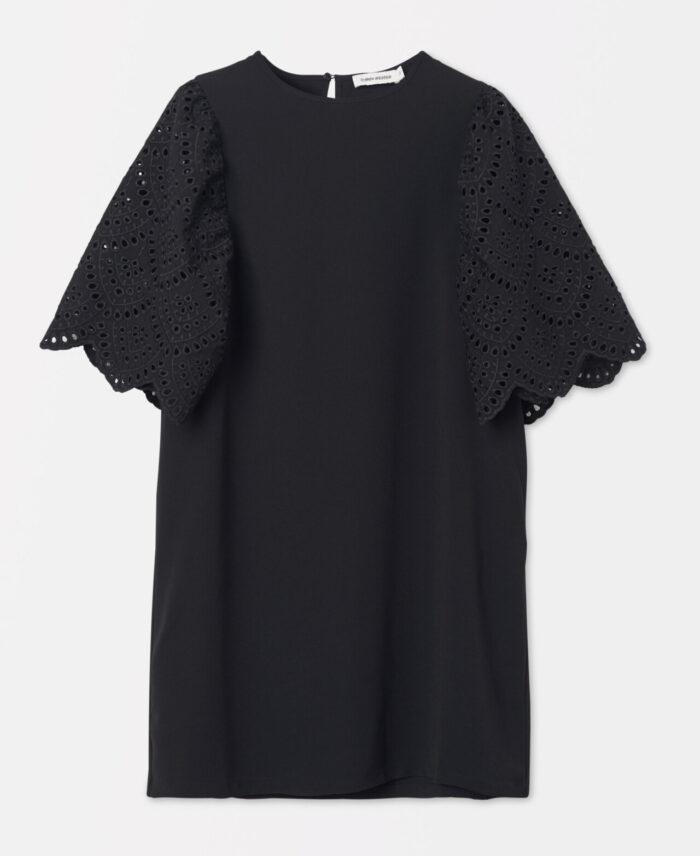 Svart klänning för dam till nyårsfesten 2019