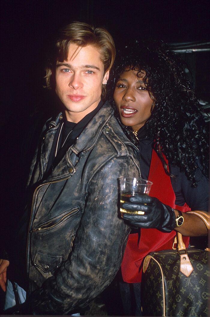 En bild på skådespelaren Brad Pitt och Robin Givens 1988.