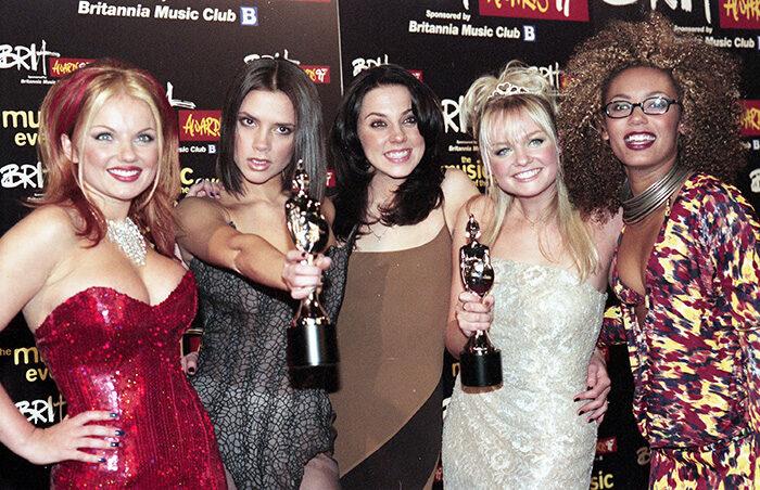 En bild på popgruppen Spice Girls 1997.