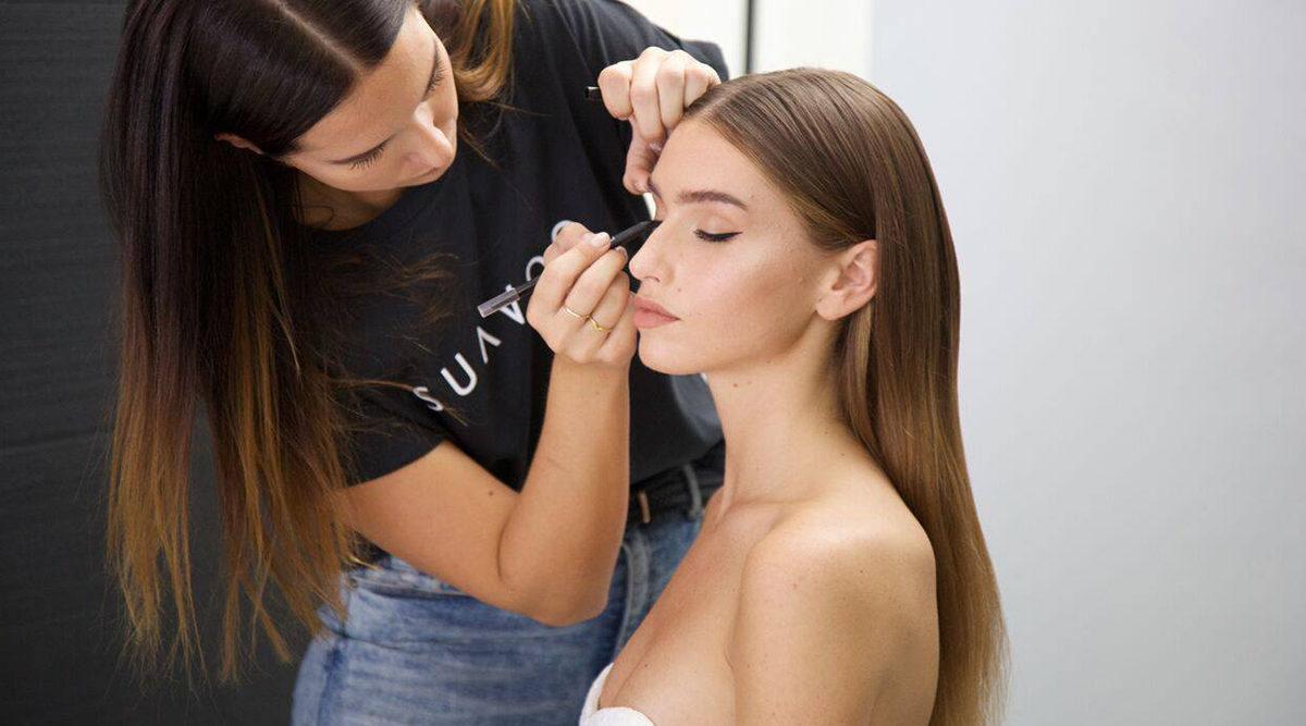 Appen som tar skönhetssalongen hem till dig lanseras i Sverige