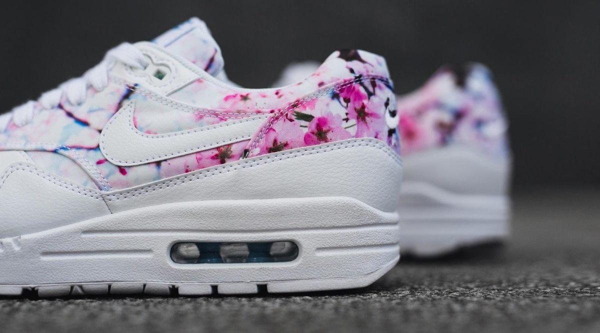 Populära Nike-modeller pryds med körsbärsblommor