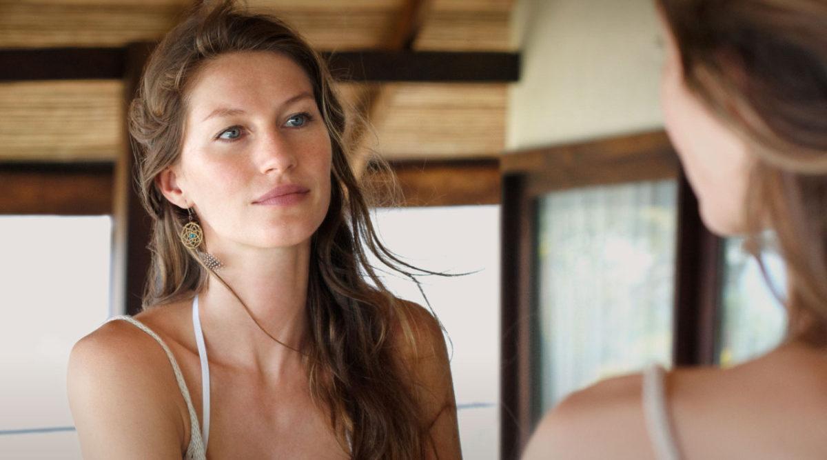Gisele Bündchen lär dig applicera foundation som en supermodell