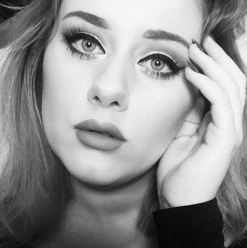 Adele-Look-Alike