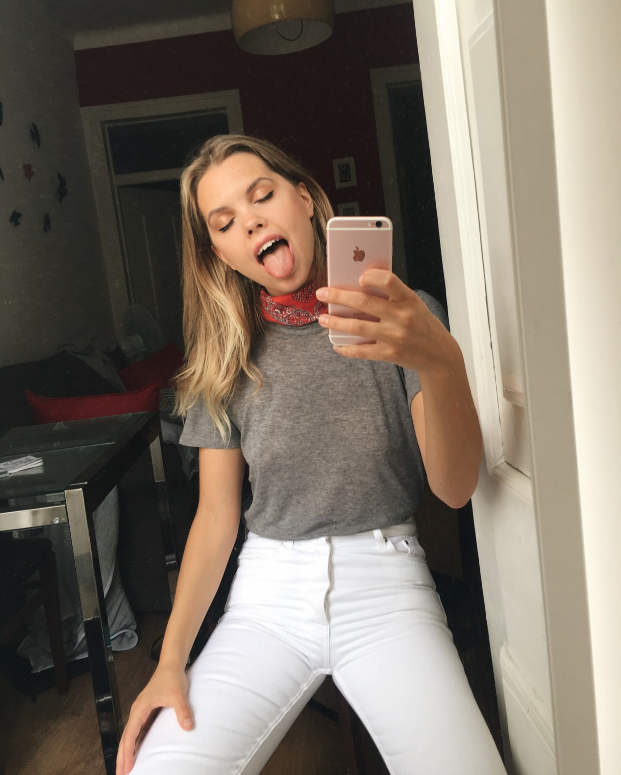 @florawis white jeans