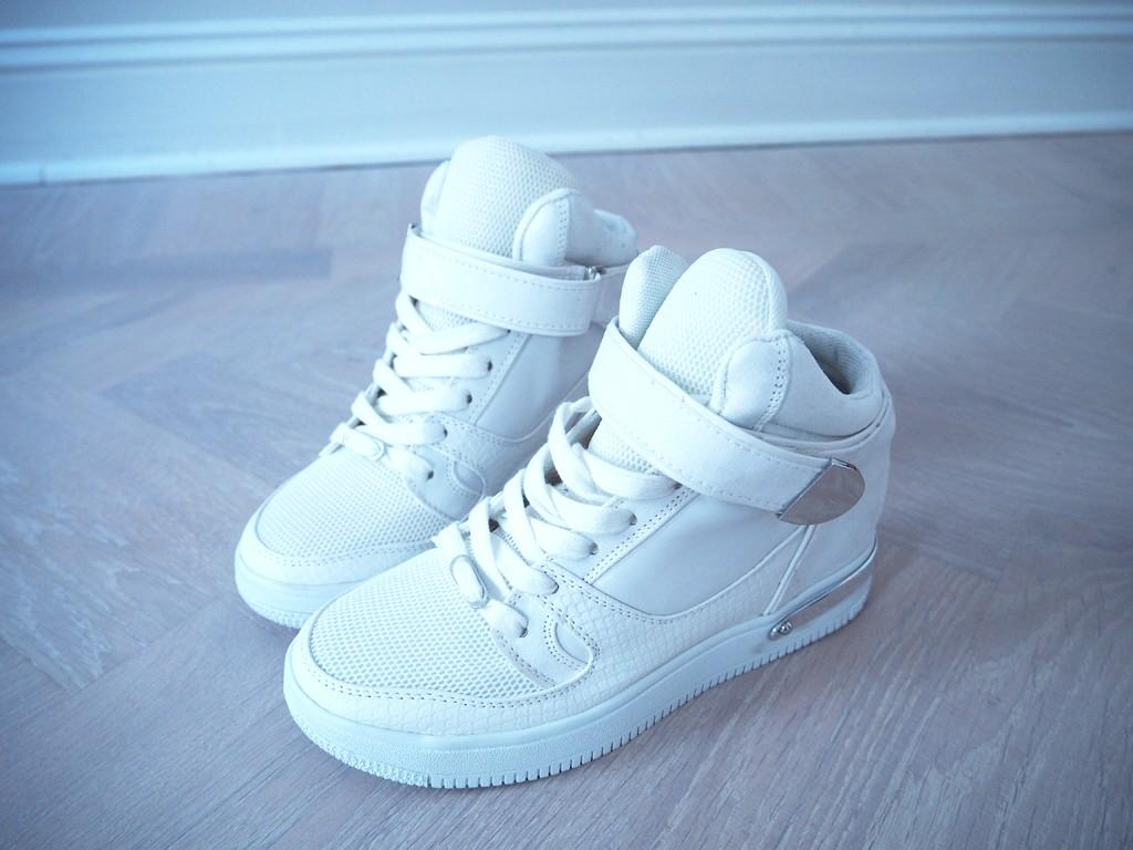 vita-sneakers