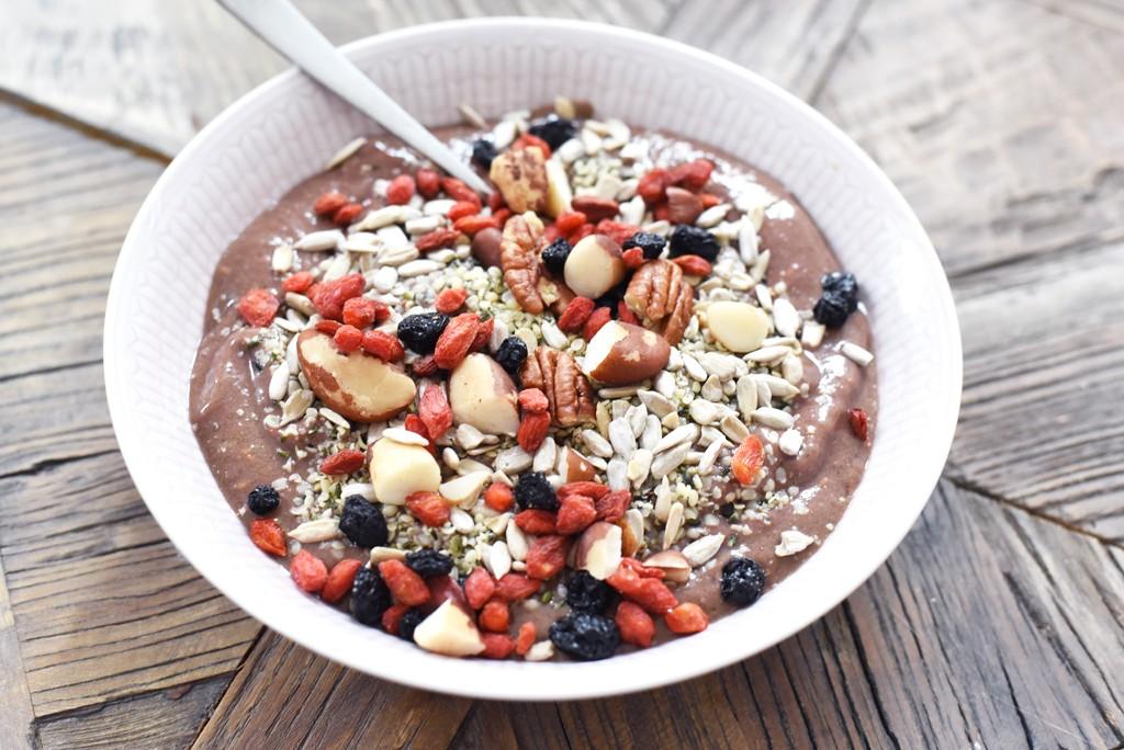 smoothie-bowl-raspberry-ida-warg