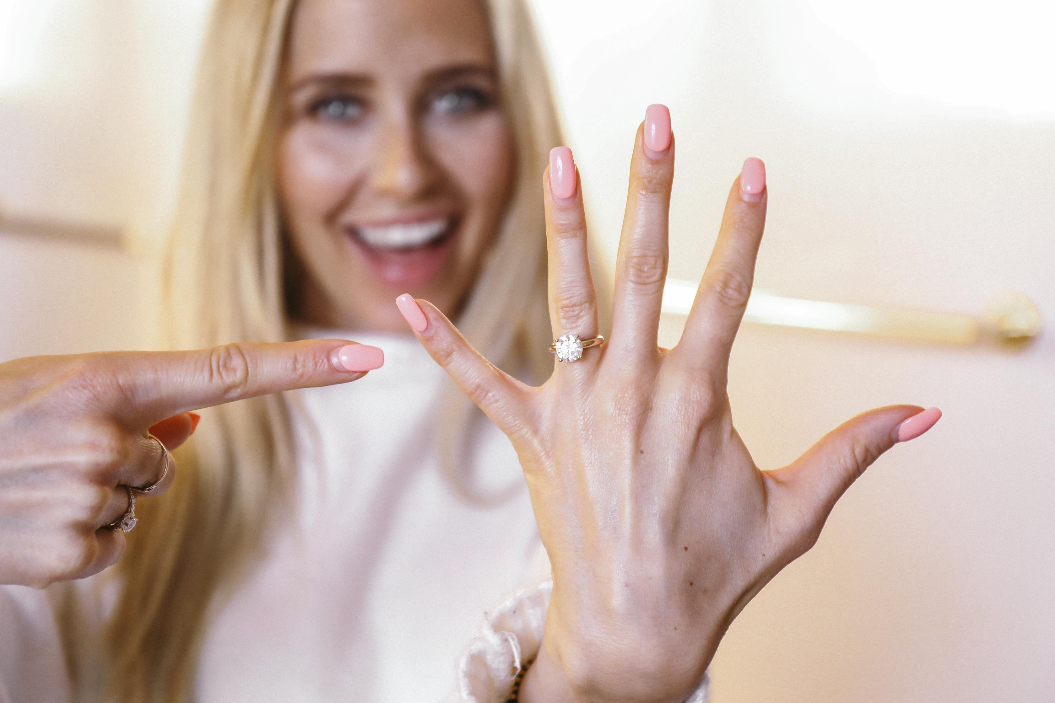 förlovningsring ring diamant guld