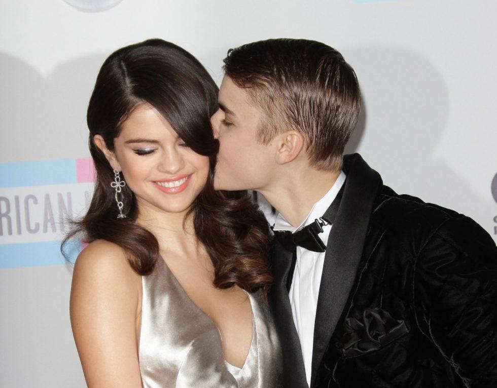 som var Justin Bieber dating innan Selena Gomez