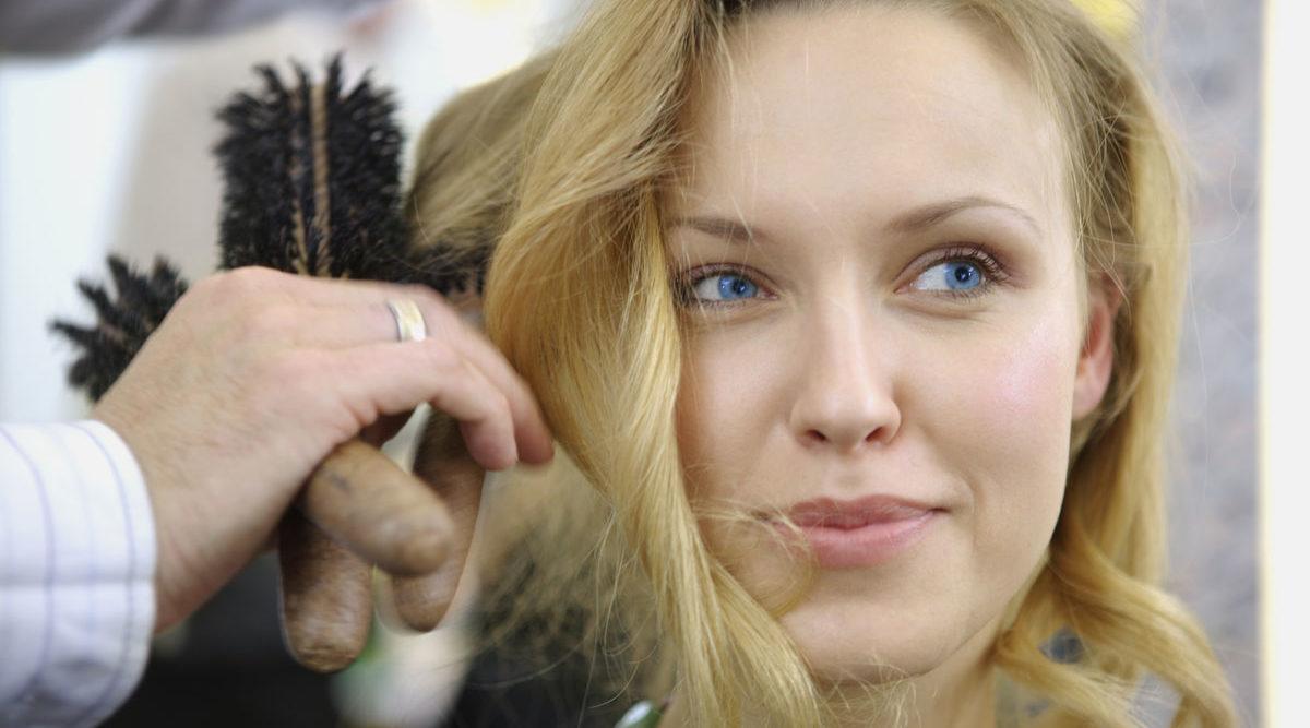 mot frissigt hår