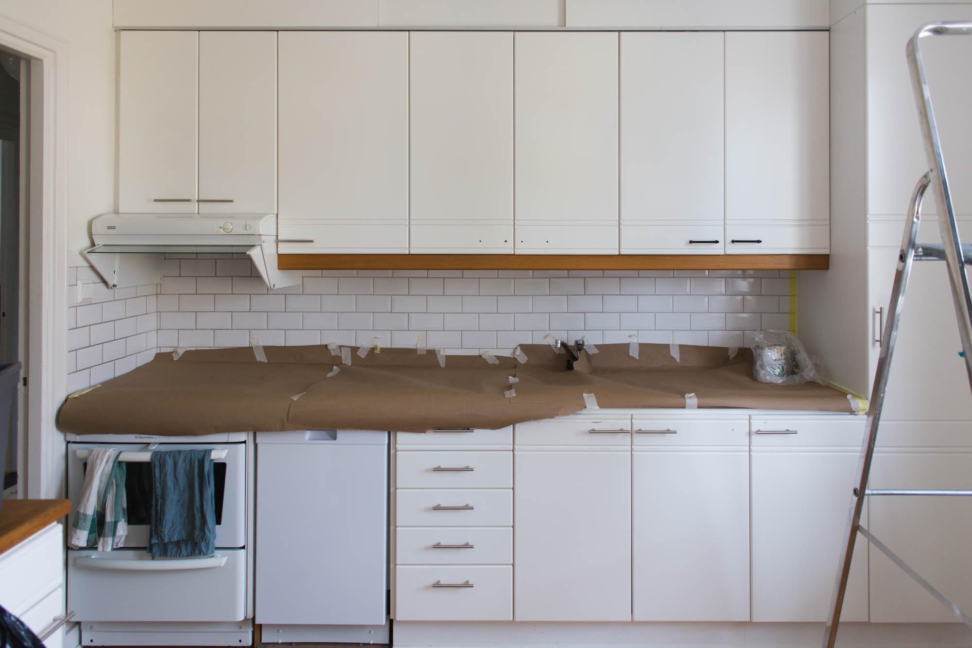Måla om köksluckor